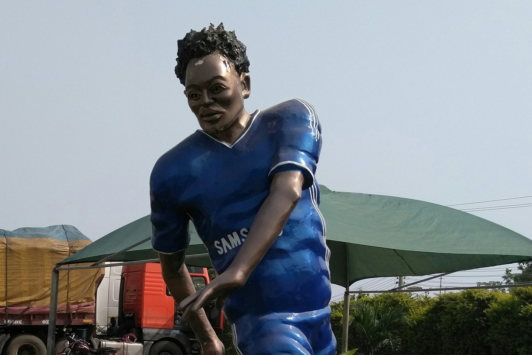 Michael Essien's statue in Kumasi (Saddick Adams)