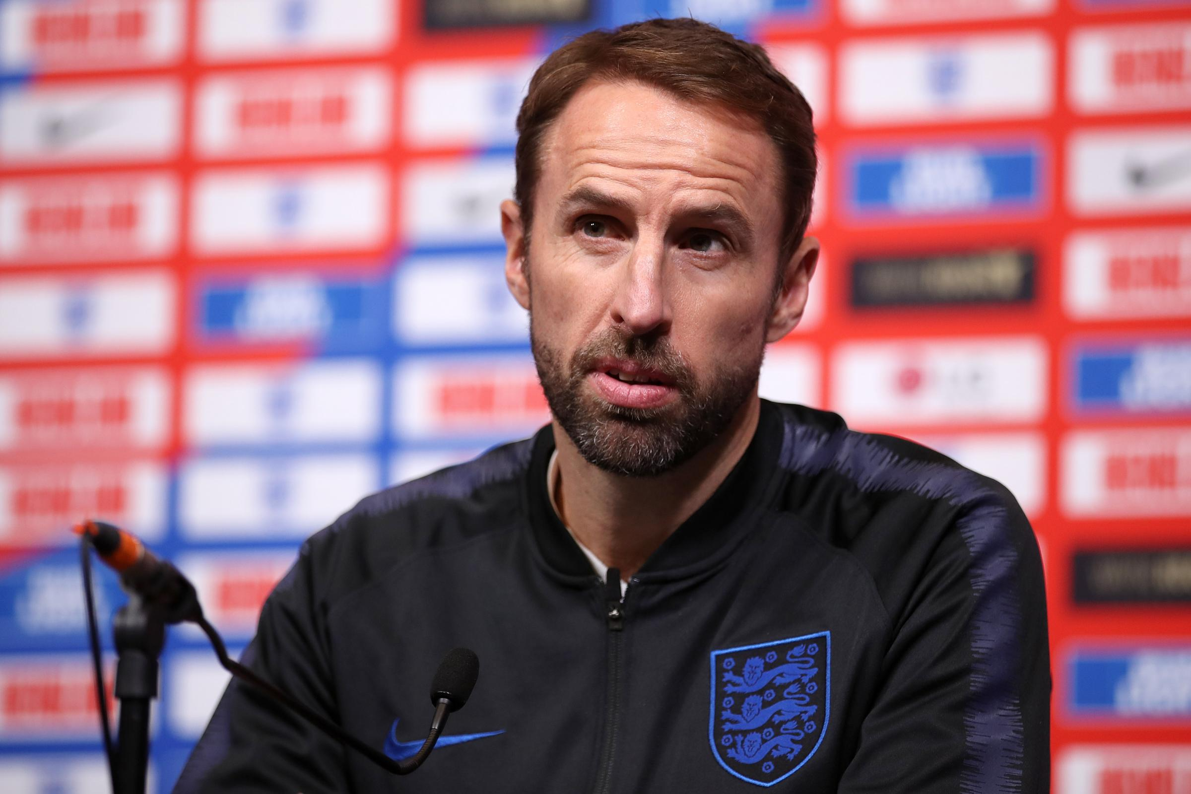 Gareth Southgate: Wayne Rooney to hand out shirts to England debutants